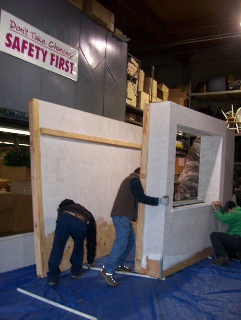 the walp exhibit at the 2010 flower & garden show being built