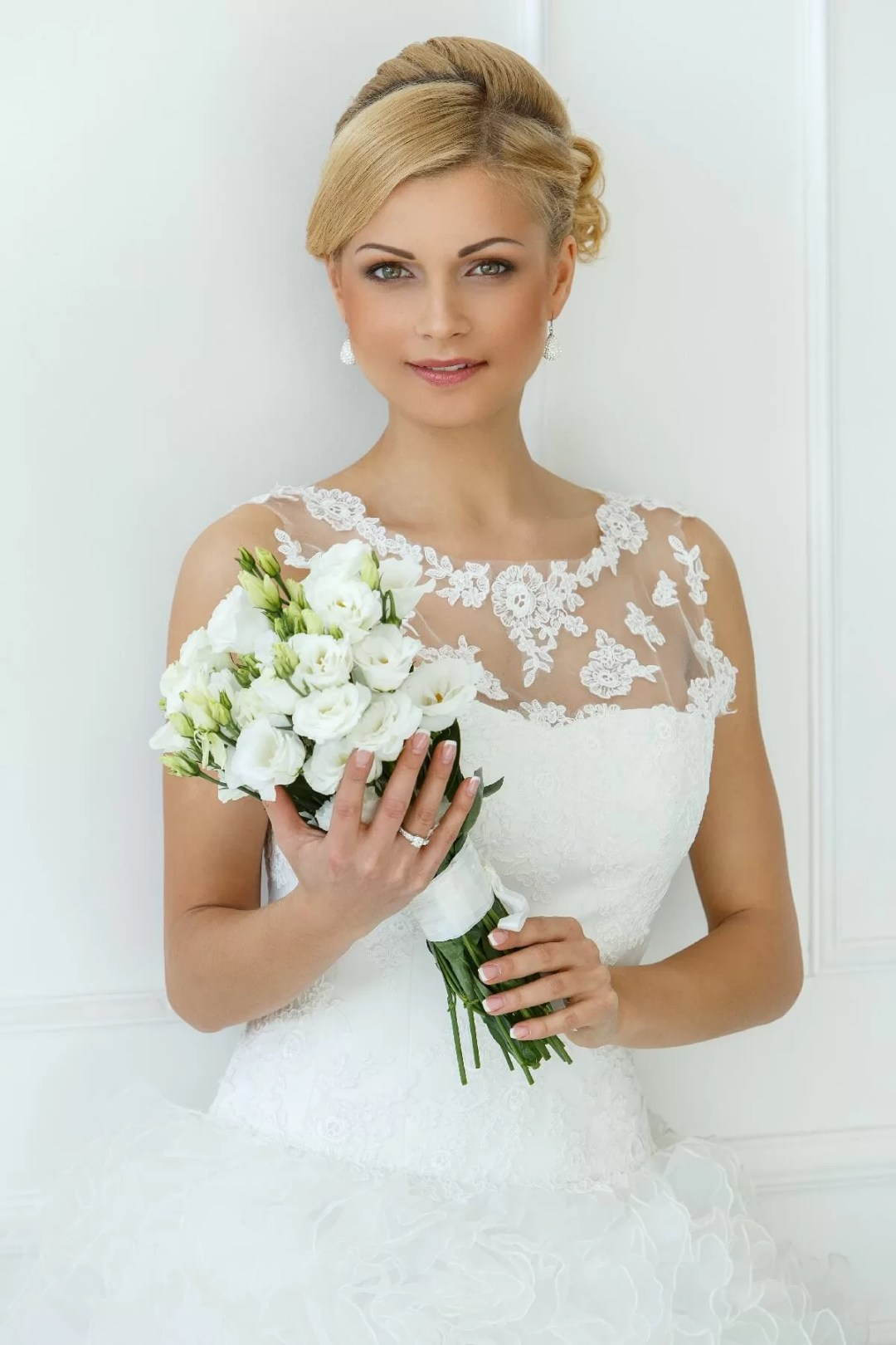 Beautiful Wedding Makeup Ideas With A Contoured Look with Blush