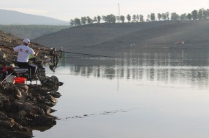 Concurso de pesca en el embalse de Gabriel y Galán (Foto cortesía de Teresa Hernández Hernández)