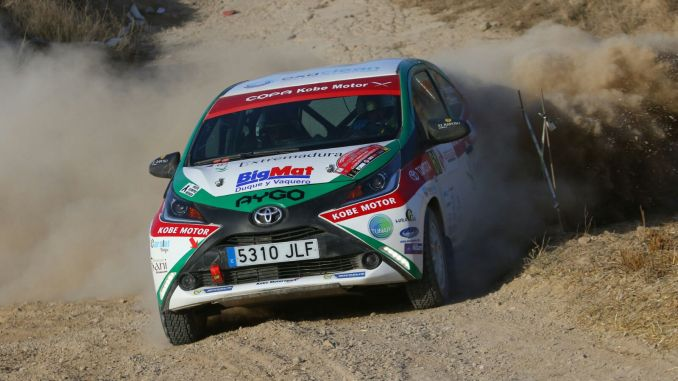 PM Hernández y Cándido Sánchez - La Copa Kobe entra en su fase decisiva para el ERT en el VIII Rallye Norte de Extremadura
