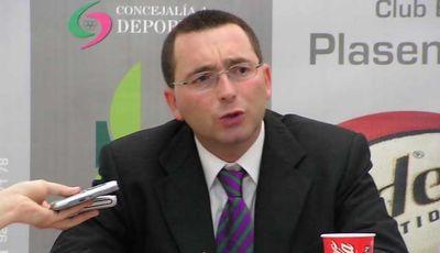 Dani García, nuevo entrenador del Extremadura Plasencia. Carlos Díaz, destituido