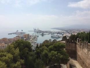 Vista del Puerto desde las murallas del castillo