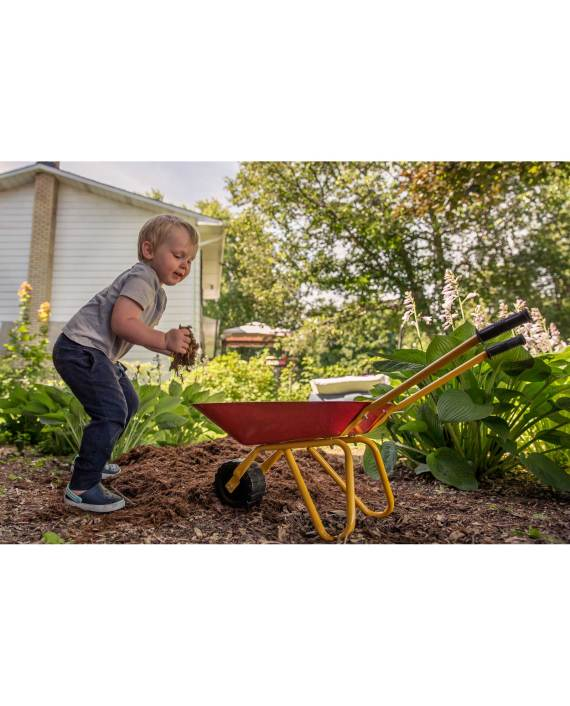 IMG_LittleWorkers_Lifestyle-JR_Wheelbarrow_Boy_PPI