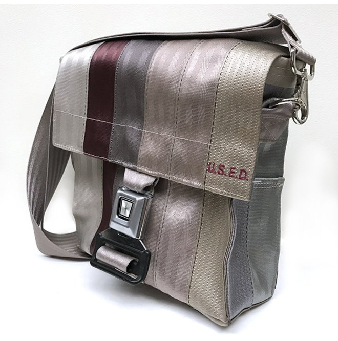 Bag made of old seatbelts