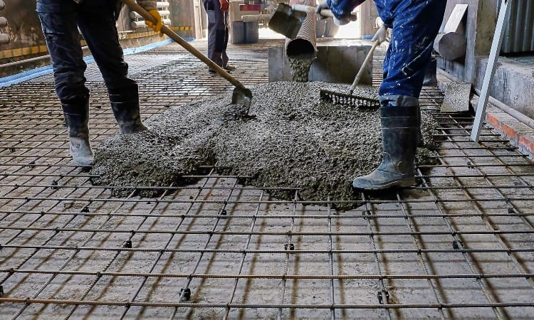 how thick should a concrete patio slab