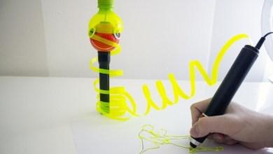 Foto de Caneta 3D corta PET para criar material de impressão