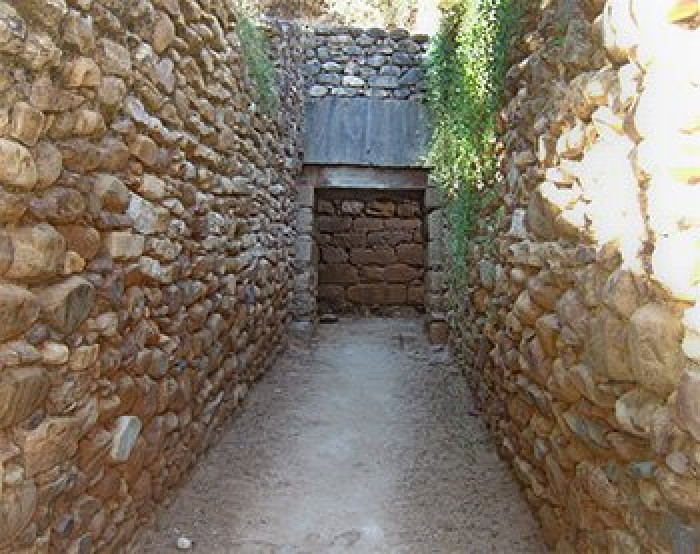 Minoan Tholos Tomb in Maleme
