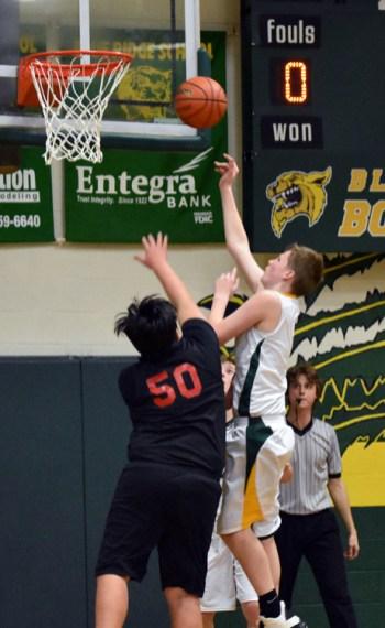 BR.basketball.MS.boys.Scotts (3)