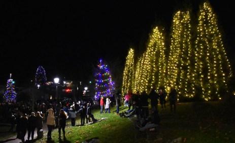 Highlands.Christmas.Tree.Lighting (18)