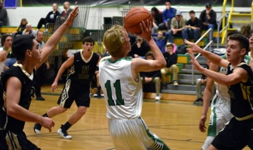 BR.Hayesville.basketball.V (16)