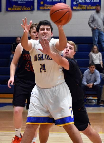 Highlands.Rosman.basketball.V (4)