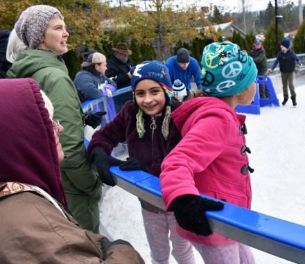 Ice.skate.Xmas.promo (1)