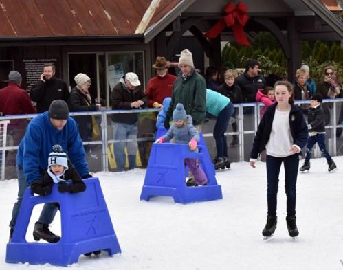 Ice.skate.Xmas.promo (10)