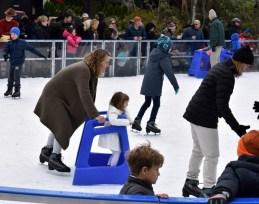 Ice.skate.Xmas.promo (8)