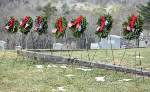 Wreaths.Highlands.Cemetray (15)