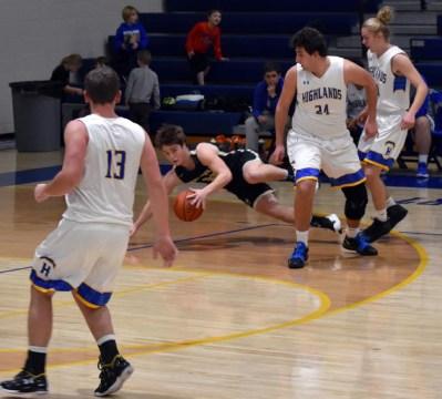 Highlands.Hayesville.basketball.V.boys (10)