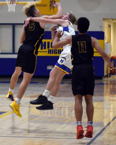 Highlands.Murphy.basketball.V.boys (28)