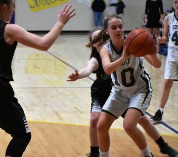 Summit.Tallulah.basketball.MS.girls.tristate (10)