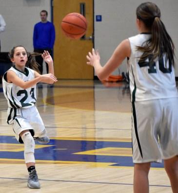 Summit.Tallulah.basketball.MS.girls.tristate (20)