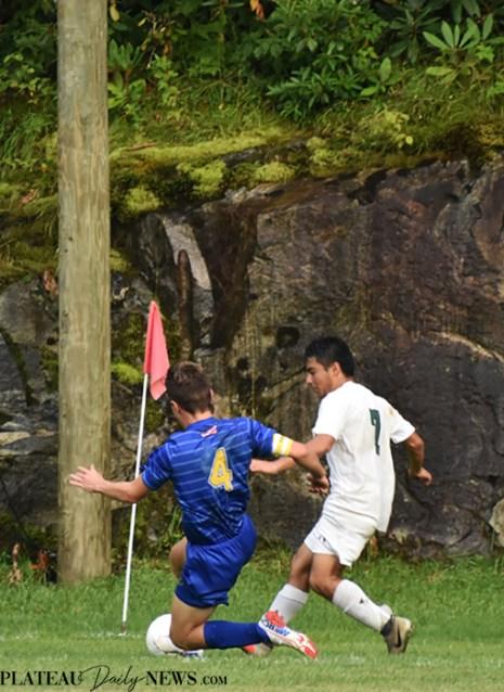 Highlands.E.Henderson.soccer.V (8)