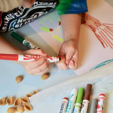 Child coloring shell noodle