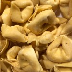 A bunch of cheese tortellini