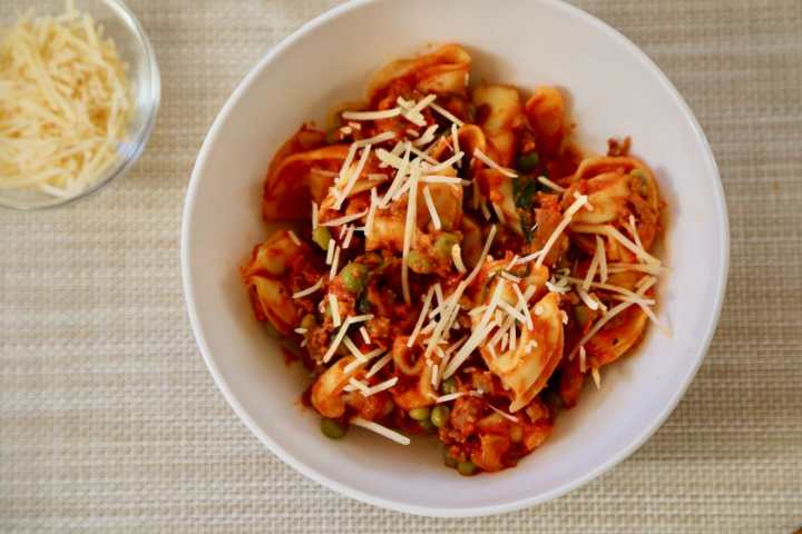 bowl-of-zesty-tortellini-with-cheese