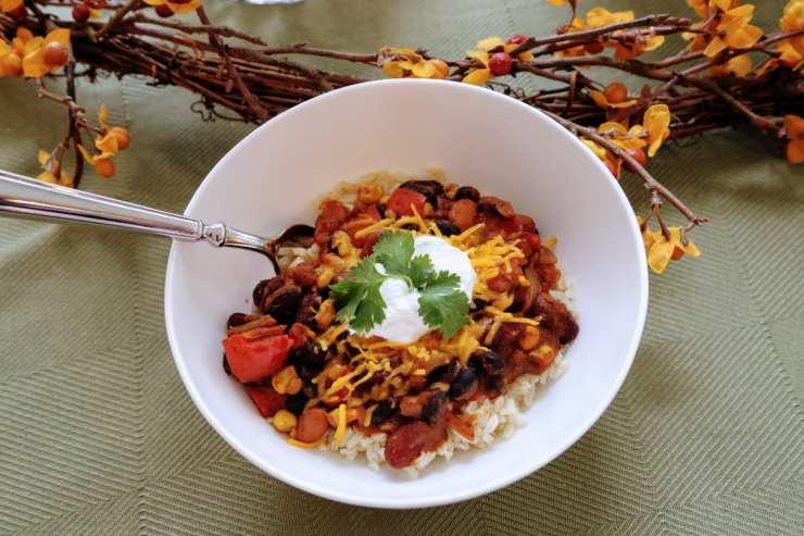 veggie chili in bowl