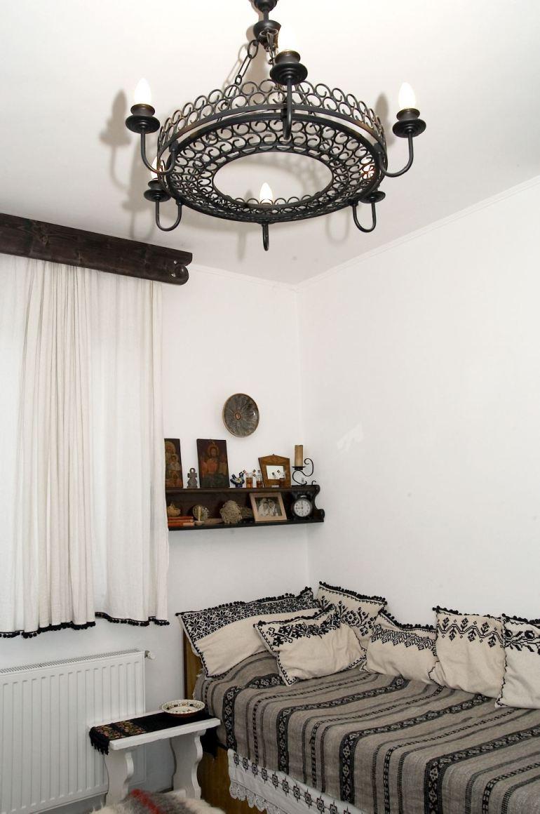 adelaparvu.com-despre-Anca-Ciuciulin-si-casa-ei-cu-decor-traditional-romanesc-6