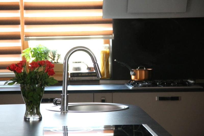 Design bucătărie Studio TV a Reţetetv.ro, Oana Grecea şi Euphoria Kitchens Hall (12)