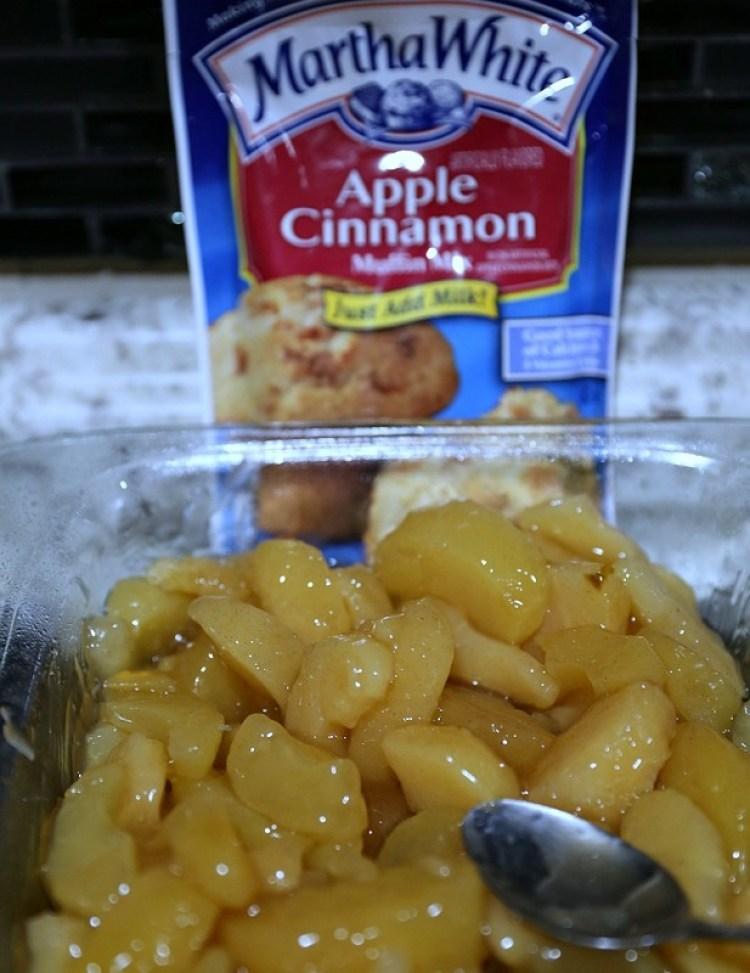Easy Homemade Apple Crisp Recipe with Oat Topping