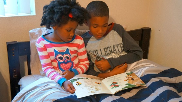 My bedtime routine - Kids reading before going to bed at night