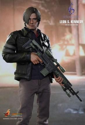 Resident Evil 6 20th Anniversary Hot Toys Leon Kennedy Figure 4
