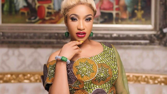 Tonto Dikeh admonishes fans to not be influenced by the lifestyle they see on social media.