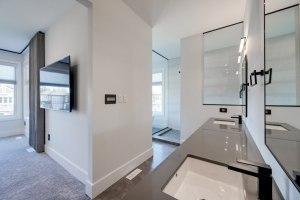 Platinum Signature Homes Clement Court 1313 44