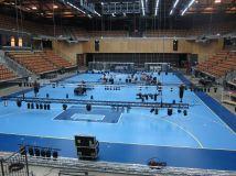 Riggning av ljusutrustning inför Eurogym 2014