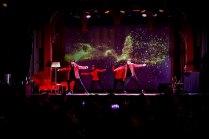 belyst dansgrupp på företagsevent
