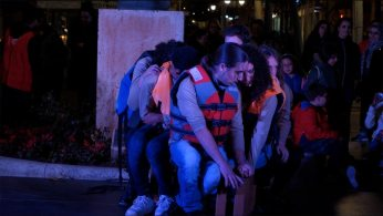 Refugiats, PlaTea Teatre Jove, Dingui, Creu Roja