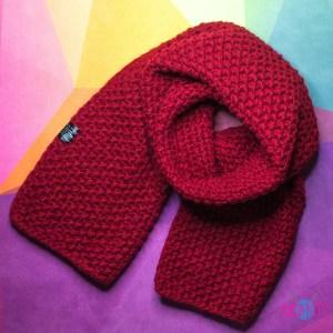 Бордовый широкий тёплый вязаный шарф