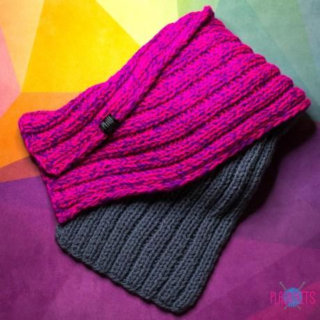 Серо-малиновый длинный вязаный шарф