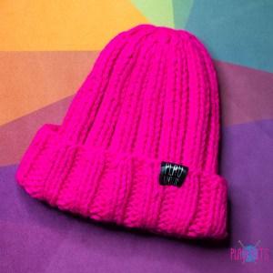 Малиновая толстая вязаная шапка тыковка Пик