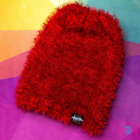 Красная вязаная свободная шапка мешок
