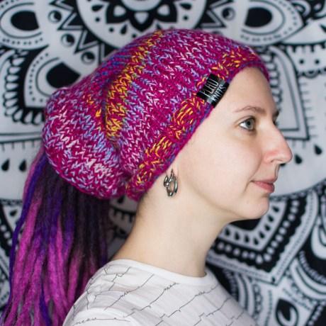 Малиновая вязаная повязка / шапка для дред