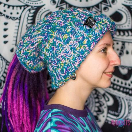 Дредошапка 34 см / Зелёно-розовая вязаная шапка / повязка для дред