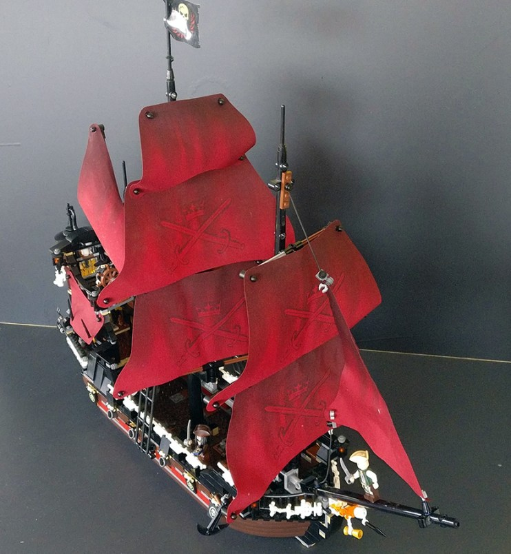Lego® 4195 [Pirates of the Carribean] Queen Anne's Revenge (Get it @ PLAY-BAY.de)