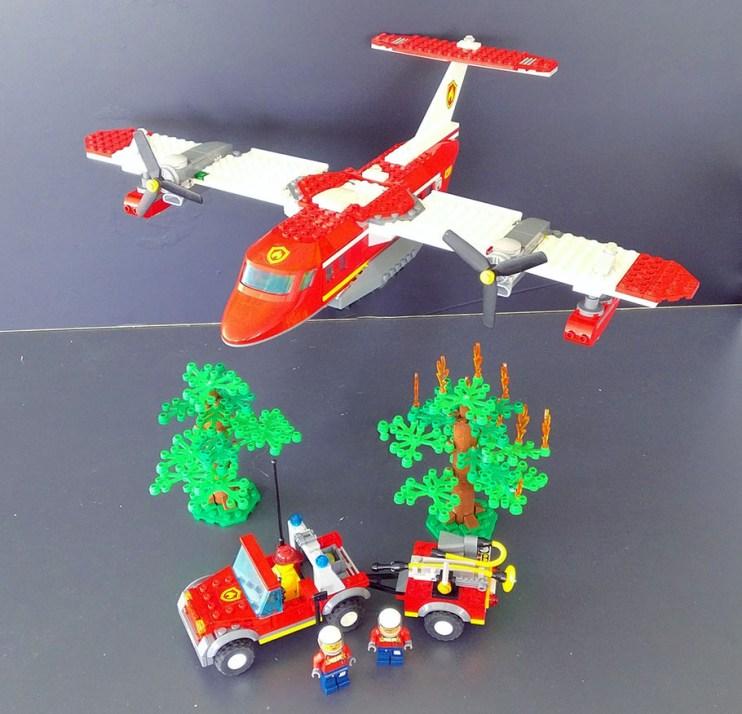 Lego® 4436 [City] Feuerwehr-Löschflugzeug / Fire plane (Get it @ PLAY-BAY.de)