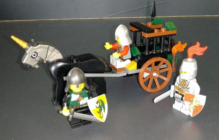 Lego® 7188 [Castle] Befreiung aus der Gefängniskutsche / Prison Carriage Rescue (Get it @ PLAY-BAY.de)