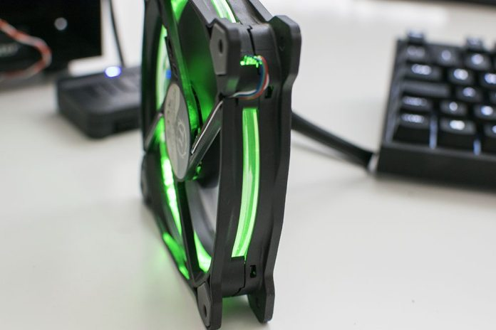 Thermaltake Riing 120 RGB 120mm Fan Overview 9