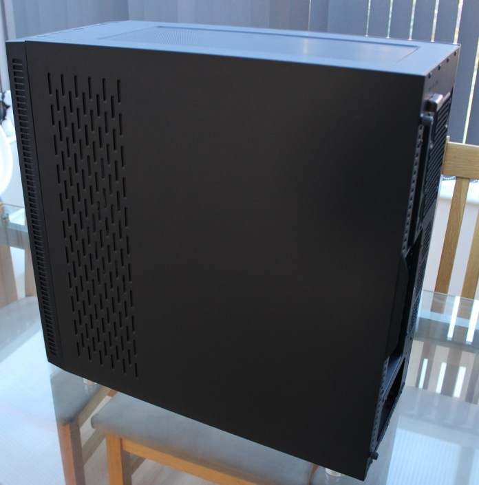 aerocool quartz pro right side