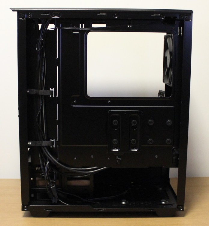Phanteks P300 Case cable inside